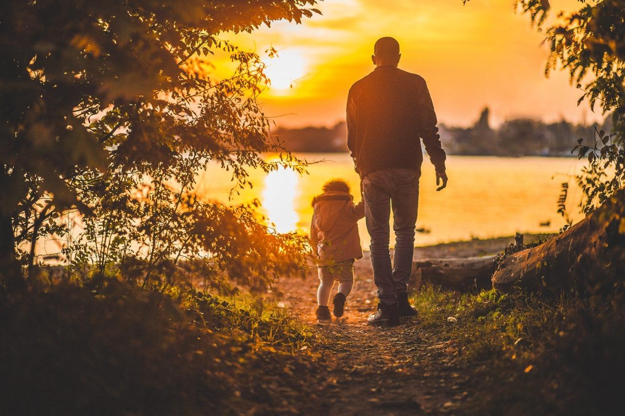 Egy nárcisztikus szülő ismertetőjegyei